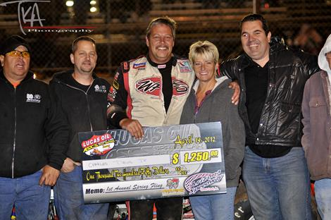 Davis Delivers a Thriller at Arizona Speedway!