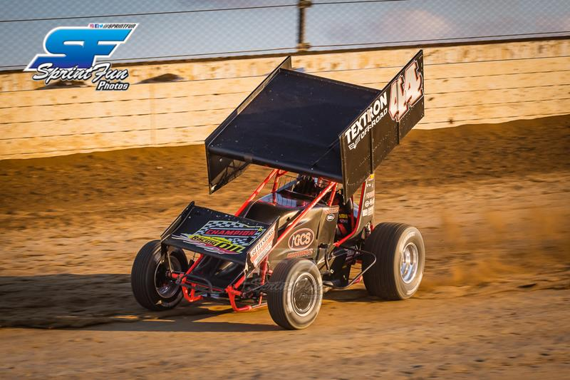 800x600 nS34iTB8o9zQx443191 starks runs out of fuel while racing for sprint car world