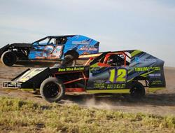 B.J. Wild Looks To Turn Heads At Wild West Modifie