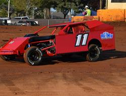 Potter Looks For Good Run With SSP Budweiser IMCA