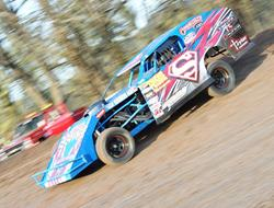 Superman Winebarger Hoping For Super Wild West Modified Shootout