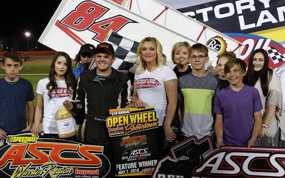 Brandon Hanks Triumphs in Impact Signs O...