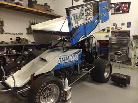 Dills Sidelined Early During Wingless Sprint Car Debut at Cottage Grove