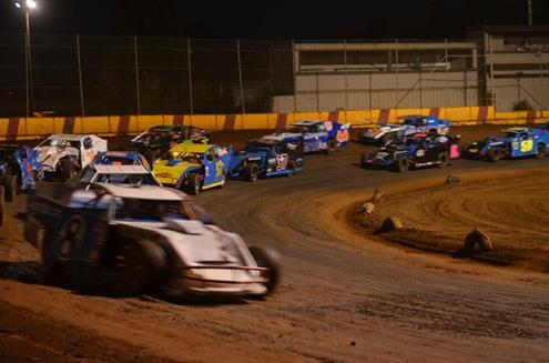 First Round Of IMCA Modified Madness This Saturday At Banks