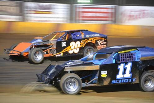"""Sunset Speedway in Banks brings family-friendly atmosphere to auto racing"" by Clare Lennon"