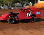 Potter Looks For Good Run With SSP Budweiser IMCA Modifieds This Saturday