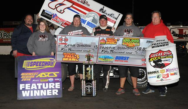 History Made: Wayne Johnson Sweeps the Midwest Fall Brawl III