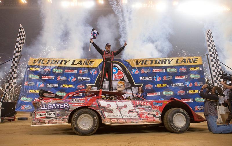Pierce Race Cars: Pierce Wins Gateway Dirt Nationals