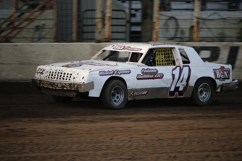 Lady Luck Helps Phillips Find USMTS Win at Rapid Speedway