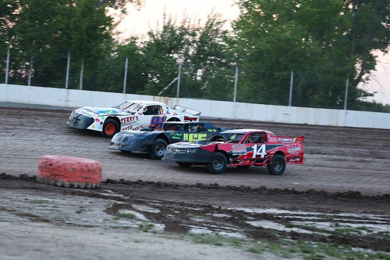 Tri-City Motor Speedway - Auburn, MI | Friday Night Dirt